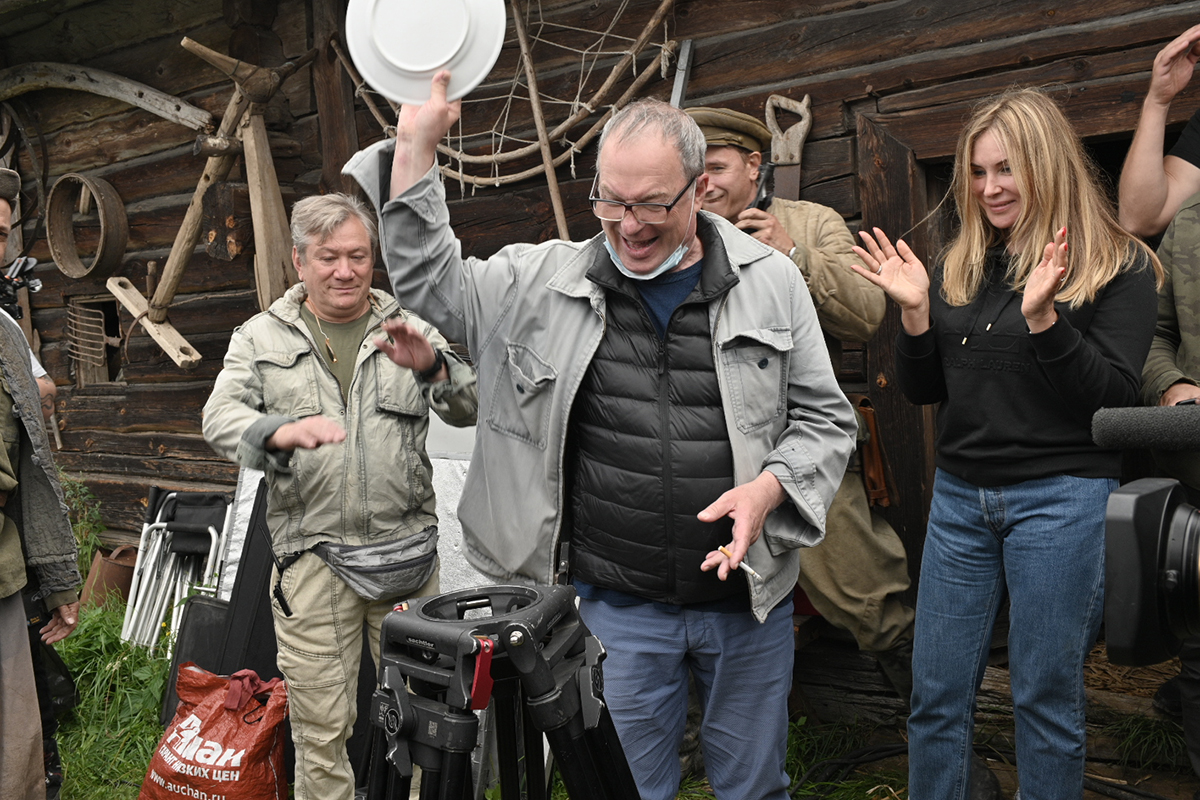 Сергей Урсуляк на съемках военной драмы Праведник